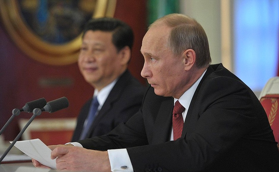 Putin e Xi Jinping bye bye Trump