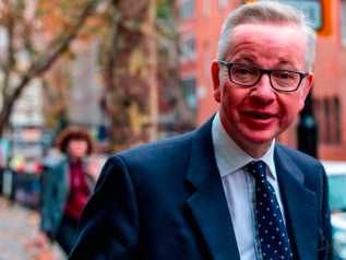 Brexit, Theresa May resiste (per ora). Salvata da Michael Gove