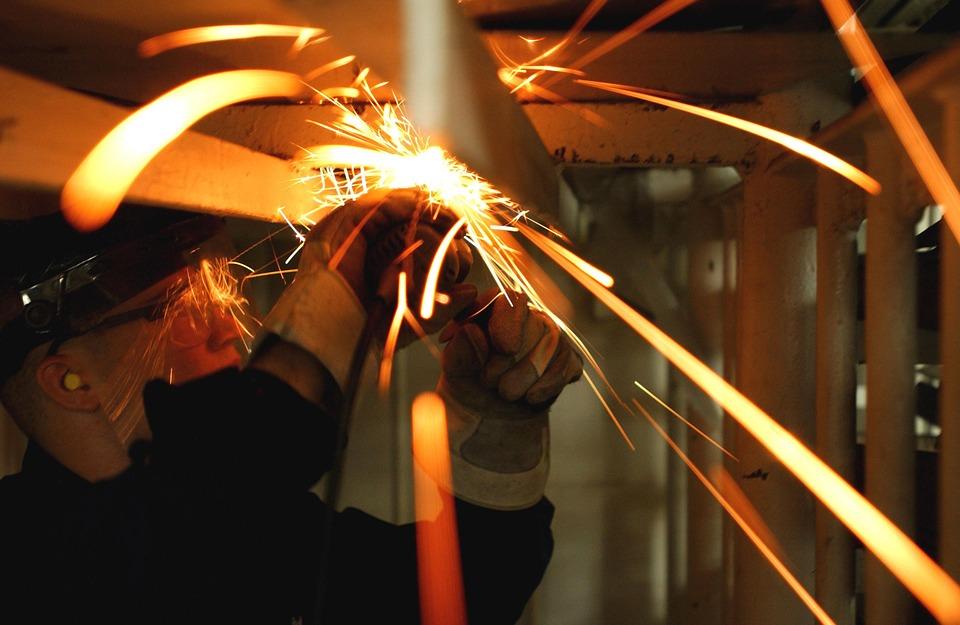 Bruxelles: forte calo della produzione industriale europea (-1.7%)