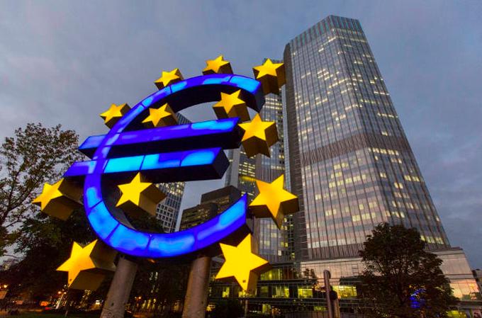 La Bce torna ad avvertire l'Italia sui conti pubblici