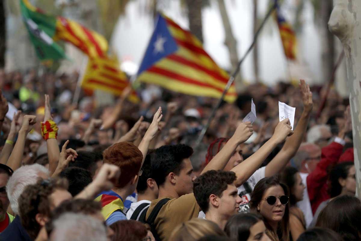 Barcellona, sale il numero di arresti e feriti