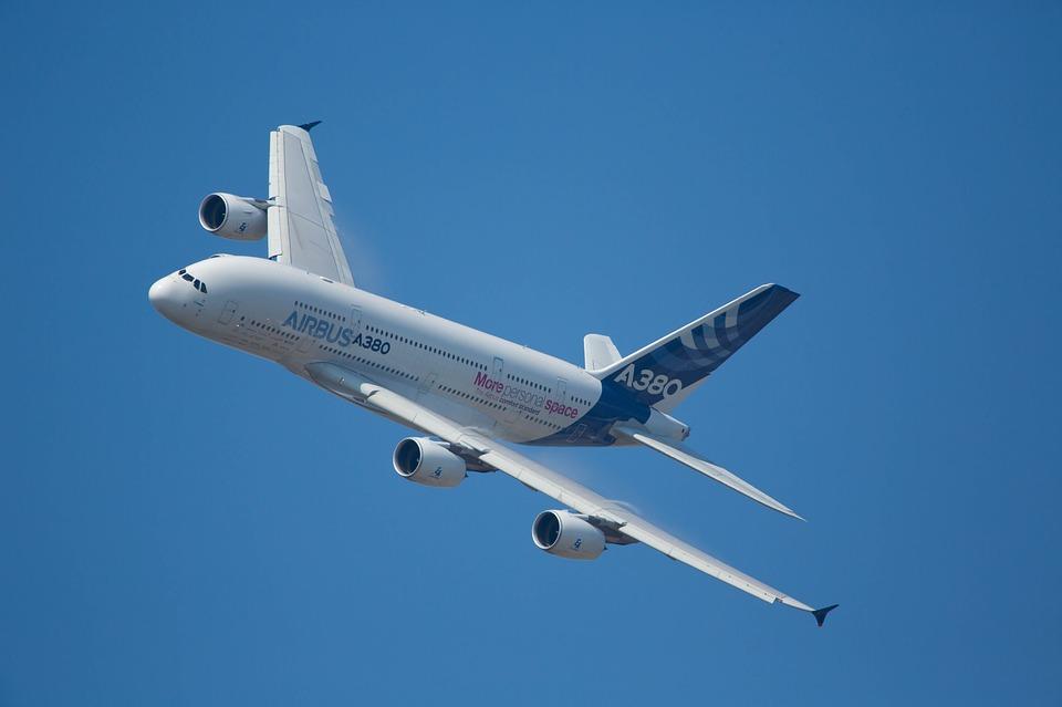 Usa alza dazi import aerei, salva Italia