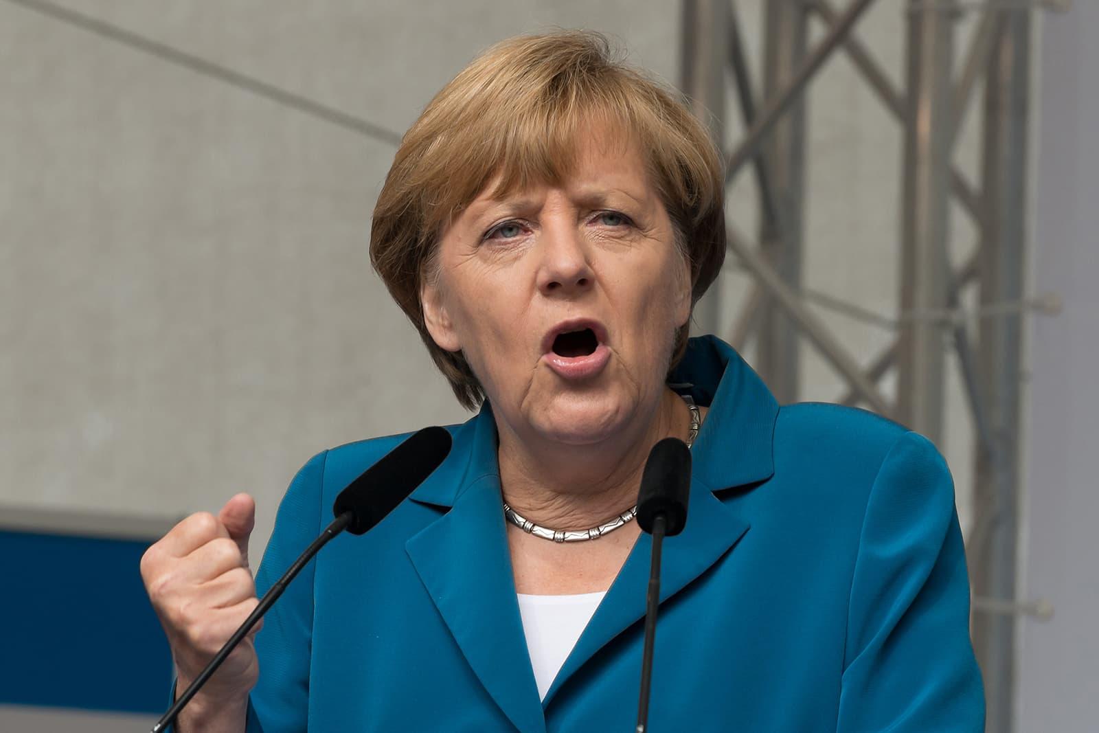 """Merkel """"Il Recovery Fund da solo non basta a salvare l'Europa"""""""