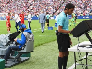 Video assistant referee, la Premier League non vuole introdurre la Var