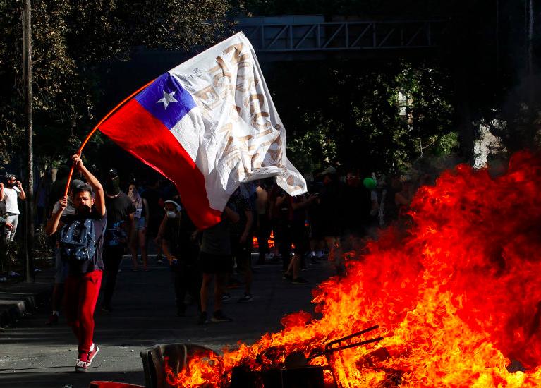 Cile cancella il vertice Apec e il vertice Onu sul clima